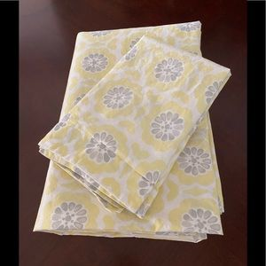 POTTERY BARN KIDS TWIN YELLOW DUVET COVER & SHAM